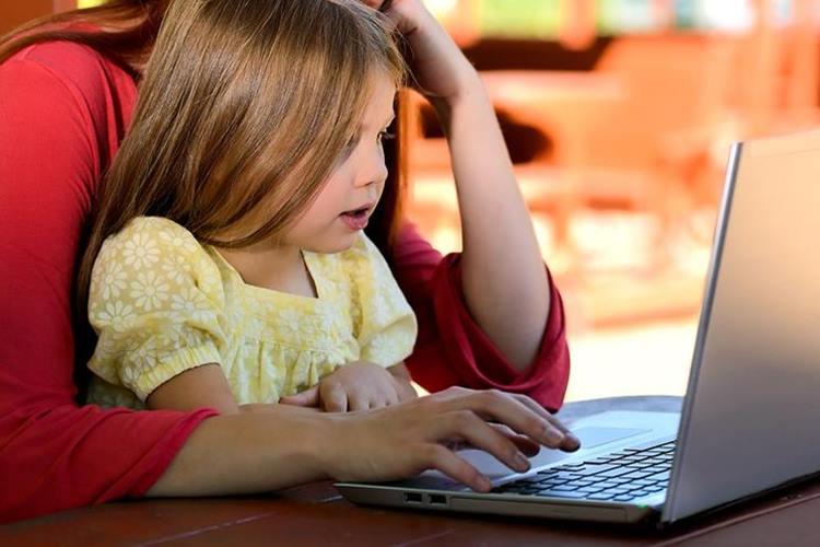 Criança no Notebook